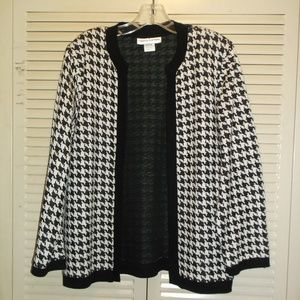 CATHY DANIELS Black Wht Houndstooth check cardigan